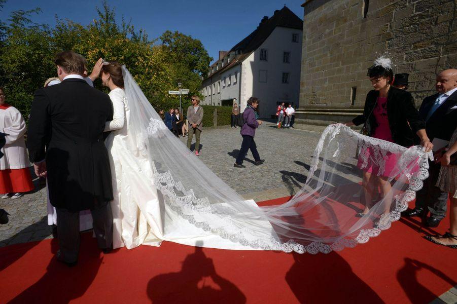 La comtesse Anna Theresa d'Arco-Zinnenberg le jour de son mariage à Niederalteich, le 29 septembre 2018