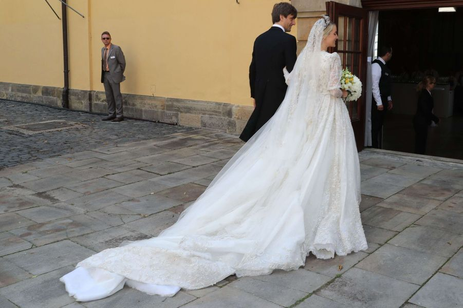 Ekaterina Malysheva lors de son mariage dans une robe Sandra Mansour, le 8 juillet 2017