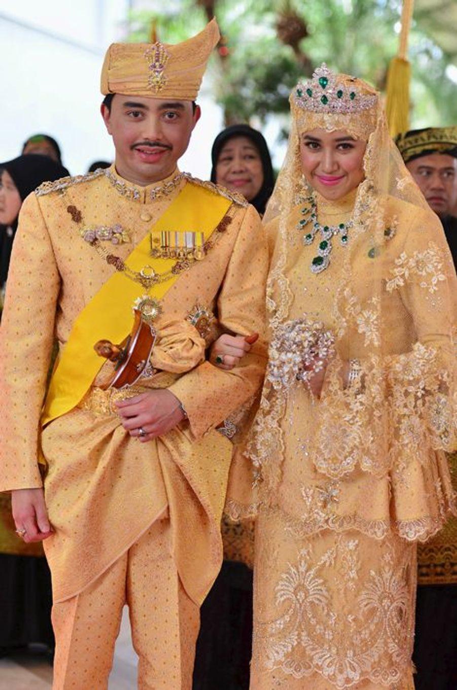 Les jeunes mariés au Sultanat de Brunei, le 12 avril 2015
