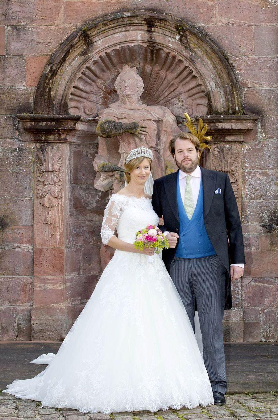 La princesse Viktoria Luise de Prusse et le prince Ferdinand de Leiningen, le jour de leur mariage, le 16 septembre à Amorbach