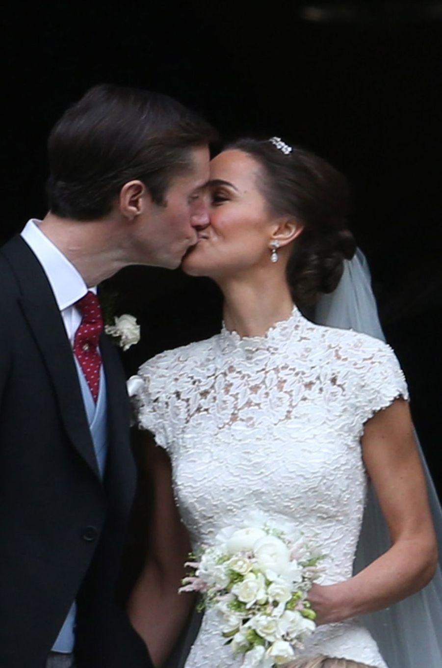 Pippa Middleton et James Matthews, le jour de leur mariage, le 20 mai 2017 à Englefield
