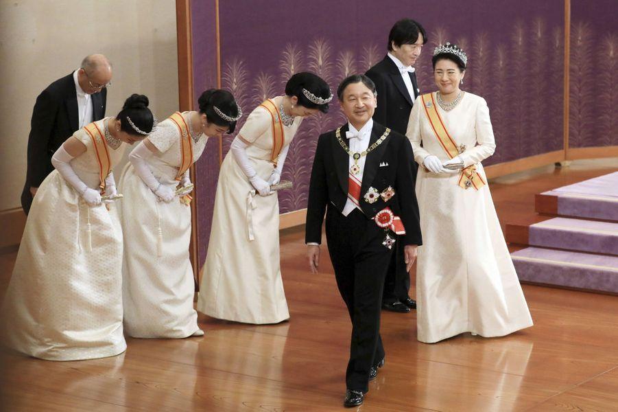 L'impératrice Masako et l'empereur Naruhito du Japon avec le prince Fumihito d'Akishino et les princesses Kiko, Mako et Kako à Tokyo le 1er janvier 2020