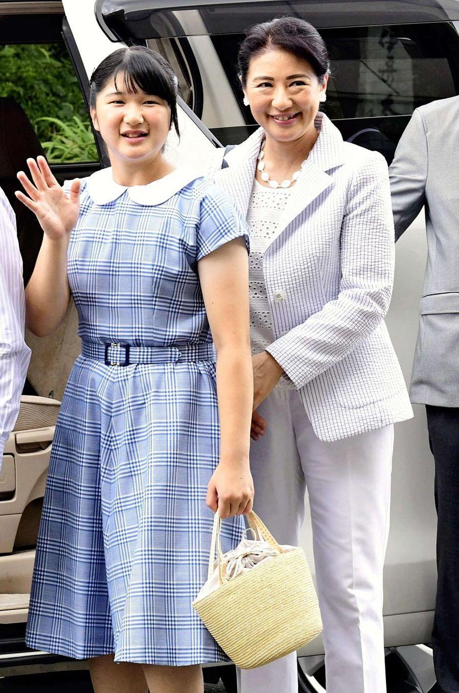 Les princesses Aiko et Masako du Japon à Shimoda, le 16 août 2018