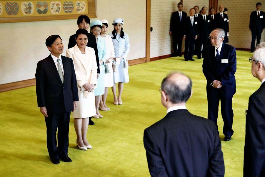 L'impératrice Masako et l'empereur Naruhito du Japon avec le prince Akishino et les princesses Kiko, Mako et Kako à Tokyo, le 17 juin 2019