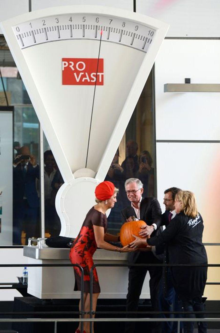 La reine Maxima inaugure le marché couvert à Rotterdam, le 1er octobre 2014