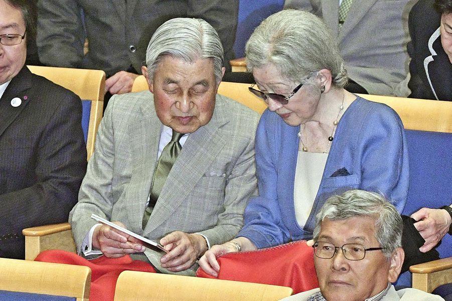 L'impératrice émérite Michiko et l'empereur émérite Akihito du Japon à Kusatsu, le 27 août 2019