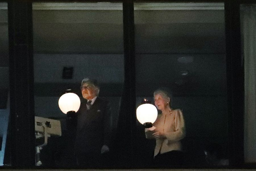 L'empereur Akihito du Japon et l'impératrice Michiko à Naha, le 27 mars 2018