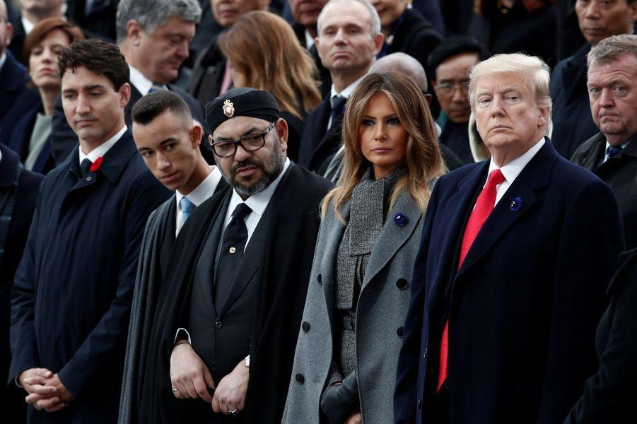 Le prince Moulay El Hassan du Maroc avec son père le roi Mohammed VI, Justin Trudeau, Melania et Donald Trump à Paris, le 11 novembre 2018