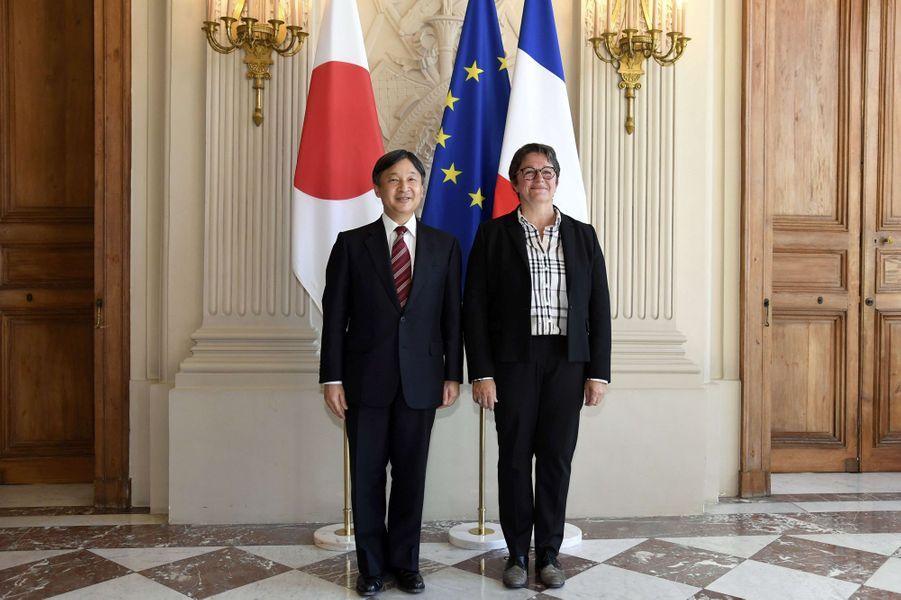 Le prince Naruhito du Japon avec la vice-présidente de l'Assemblée nationale Carole Bureau-Bonnard à Paris, le 11 septembre 2018