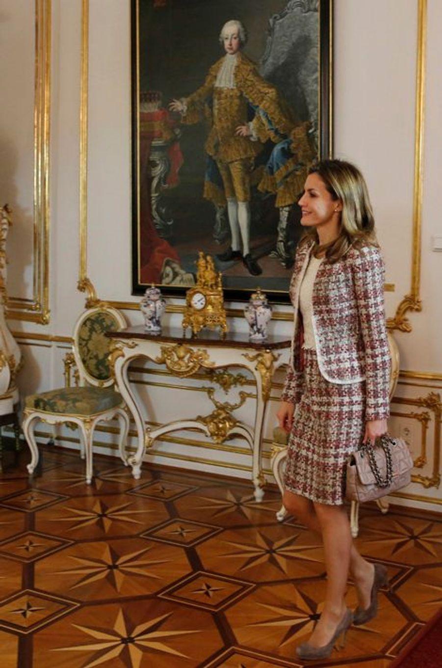 La reine Letizia d'Espagne au palais présidentiel de Vienne en Autriche, le 27 octobre 2014