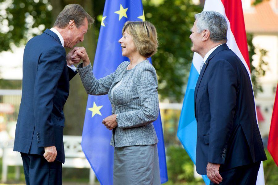 Joachim Gauck et sa compagne Daniela Schad avec le Grand-Duc Henri du Luxembourg