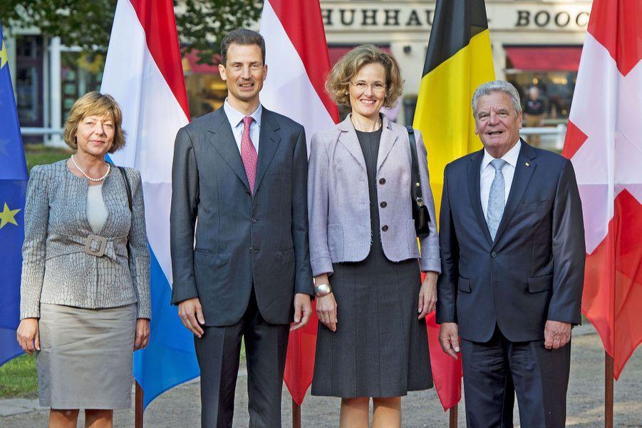 Joachim Gauck et sa compagne Daniela Schad avec le prince Alois du Liechtenstein et son épouse Sophie de Wittelsbach