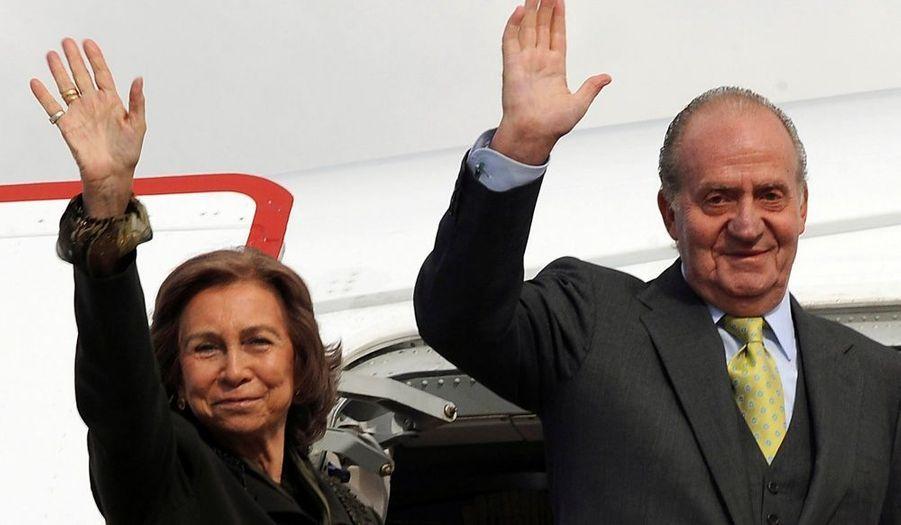 L'ancienne génération de monarques. Juan Carlos, roi d'Espagne et son épouse Sofia, fille du défunt roi Paul 1er de Grèce.