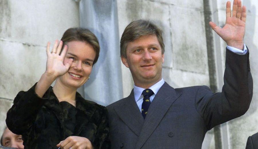 Le prince héritier du royaume de Belgique, Philippe, fils du roi Albert II, et son épouse Mathilde de Belgique. Le couple à quatre enfants, deux filles et deux garçons, âgés de un an et demi à huit ans.