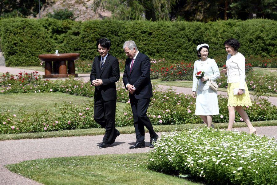 La princesse Kiko du Japon et le prince Fumihito d'Akishino avec le président finlandais et sa femme au château de Kultaranta, le 3 juillet 2019
