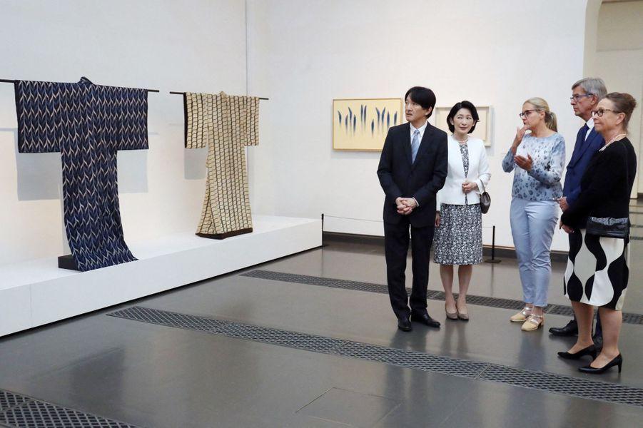 La princesse Kiko du Japon et le prince Fumihito d'Akishino visite un musée à Heksinki, le 2 juillet 2019