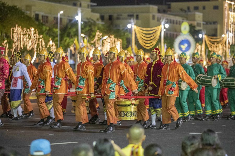 Militaires de la procession du roi Maha Vajiralongkorn à Bangkok, le 5 mai 2019