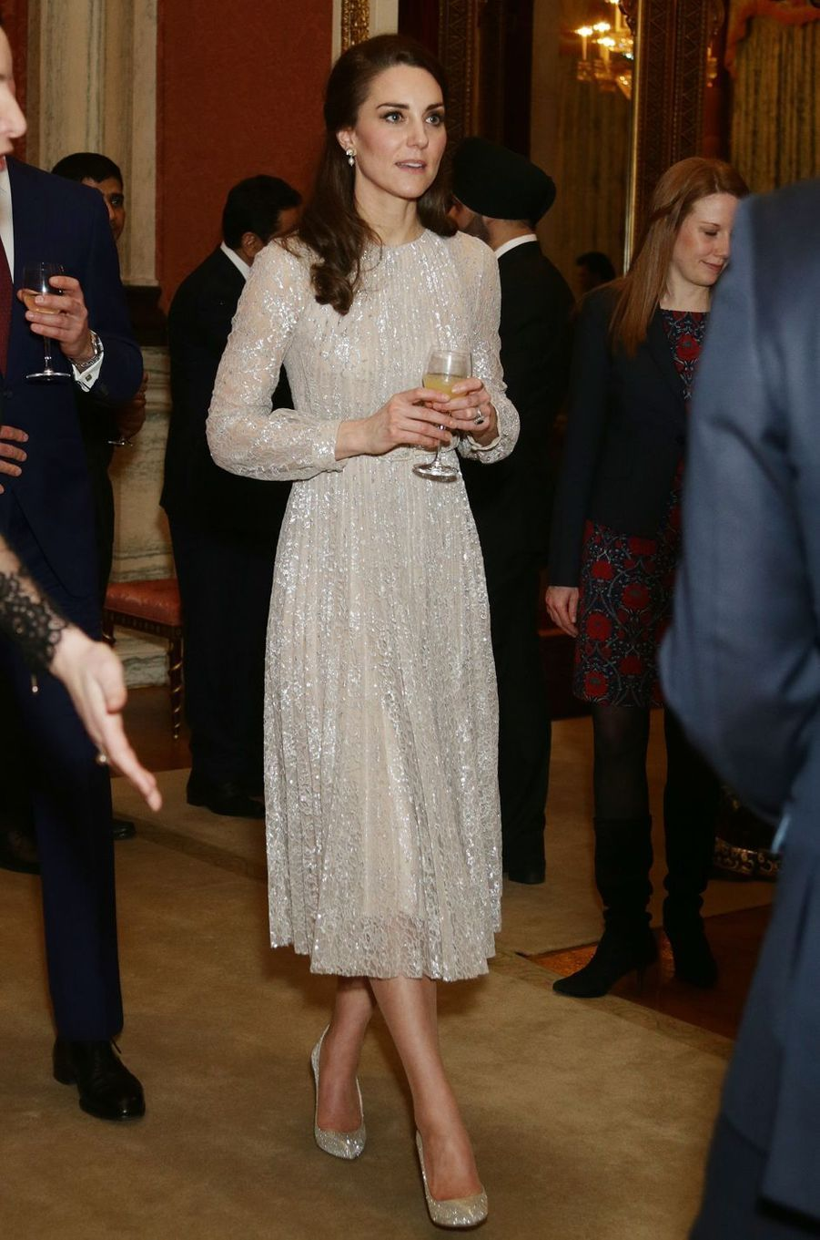 La duchesse de Cambridge, née Kate Middleton, dans une robe Erdem à Londres le 27 février 2017