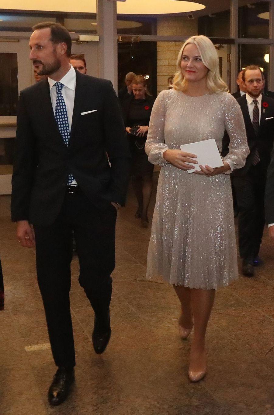 La princesse Mette-Marit de Norvège dans une robe Erdem, à Gatineau au Canada le 7 novembre 2016