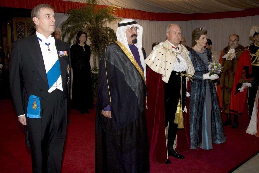 Le roi Abdallah avec le prince Andrew à Londres, le 31 octobre 2007