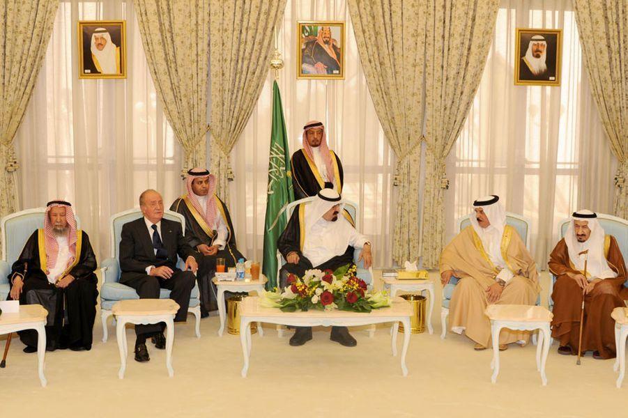Le roi Abdallah avec le roi Juan Carlos d'Espagne à Djedda, le 16 juin 2012