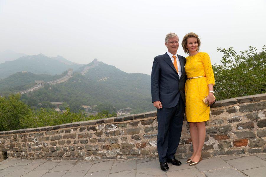 La reine Mathilde et le roi des Belges Philippe sur la Grande Muraille de Chine, le 23 juin 2015