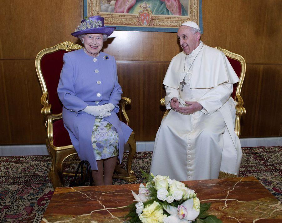 La reine Elizabeth II avec le pape François au Vatican, le 3 avril 2014