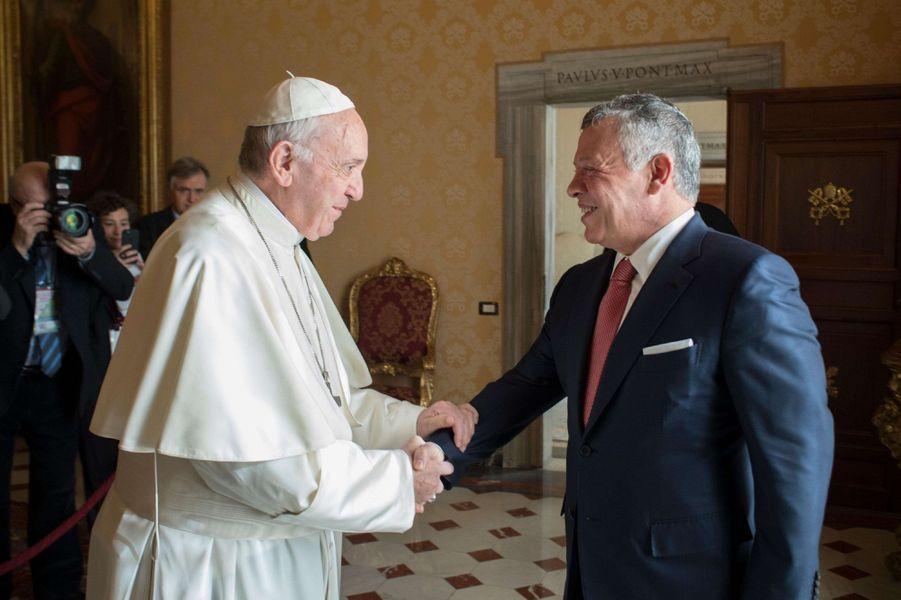 Le roi Abdallah II de Jordanie avec le pape François au Vatican, le 19 décembre 2017