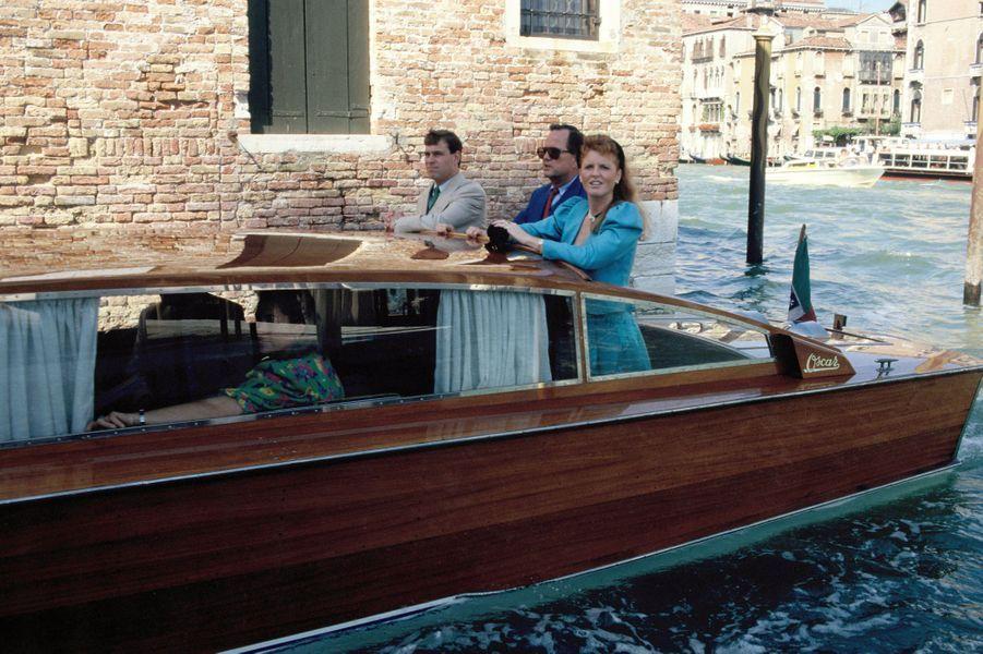 La duchesse d'York Sarah et le prince Andrew à Venise, en août 1989