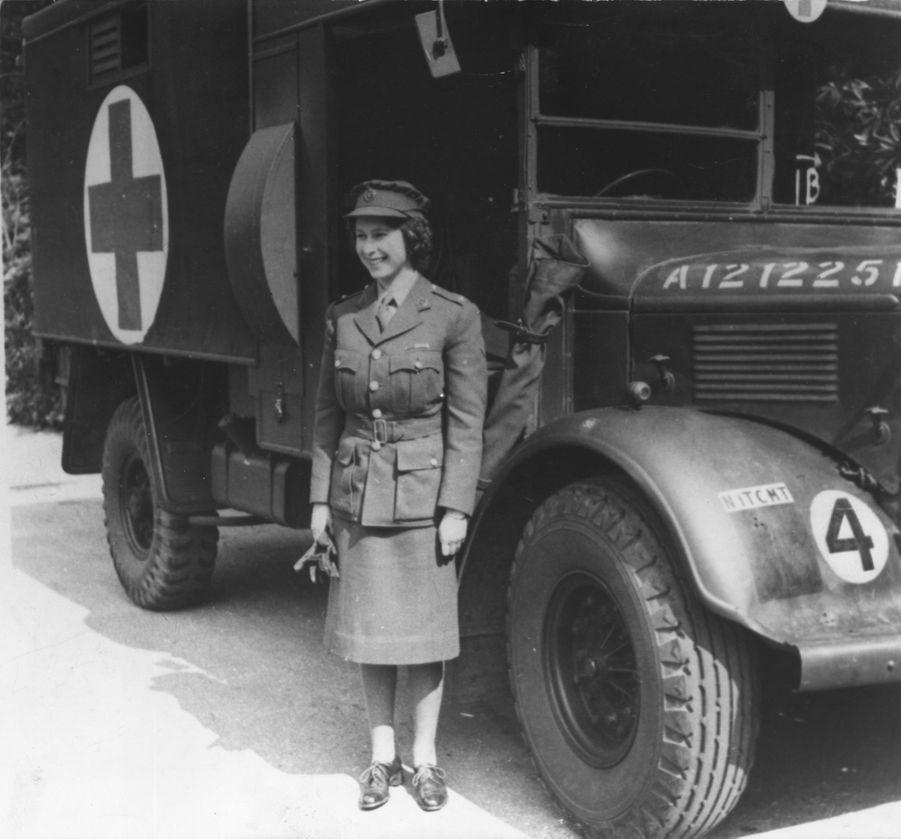 La princesse Elizabeth d'Angleterre (futur reine Elizabeth II), en 1945