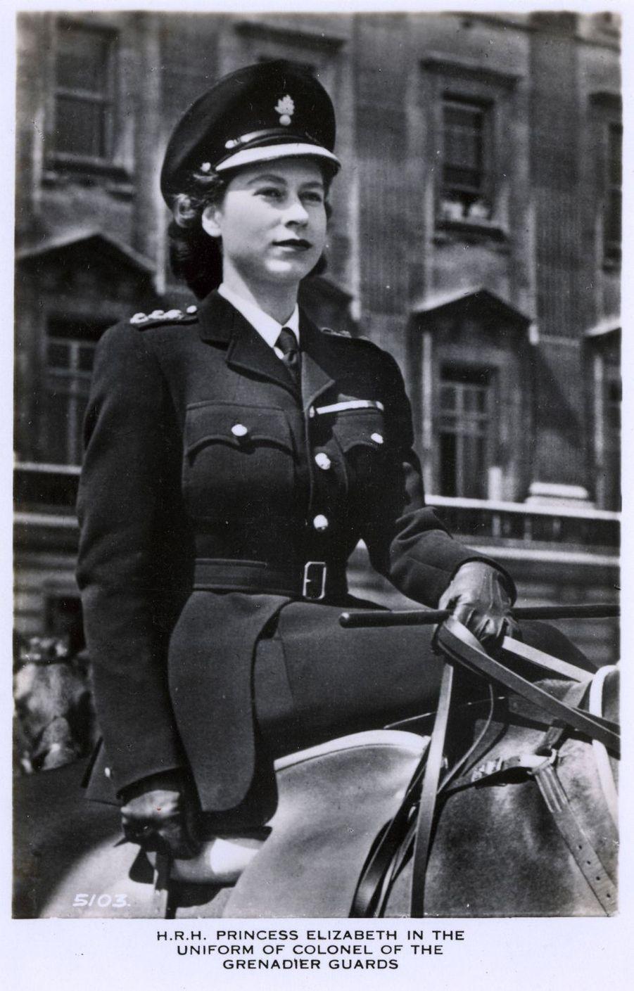 La princesse Elizabeth d'Angleterre (futur reine Elizabeth II), dans les années 1940