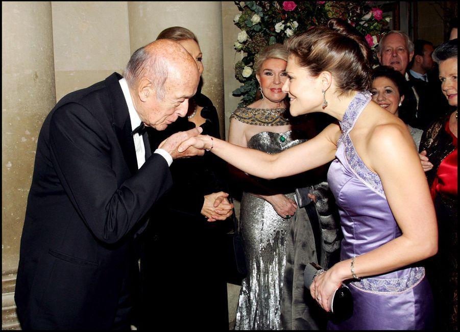 Valéry Giscard d'Estaing avec la princesse héritière Victoria de Suède, le 4 décembre 2006