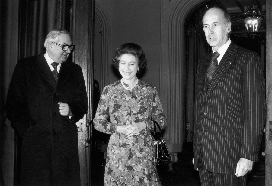 Valéry Giscard d'Estaing avec la reine Elizabeth II, le 12 décembre 1977