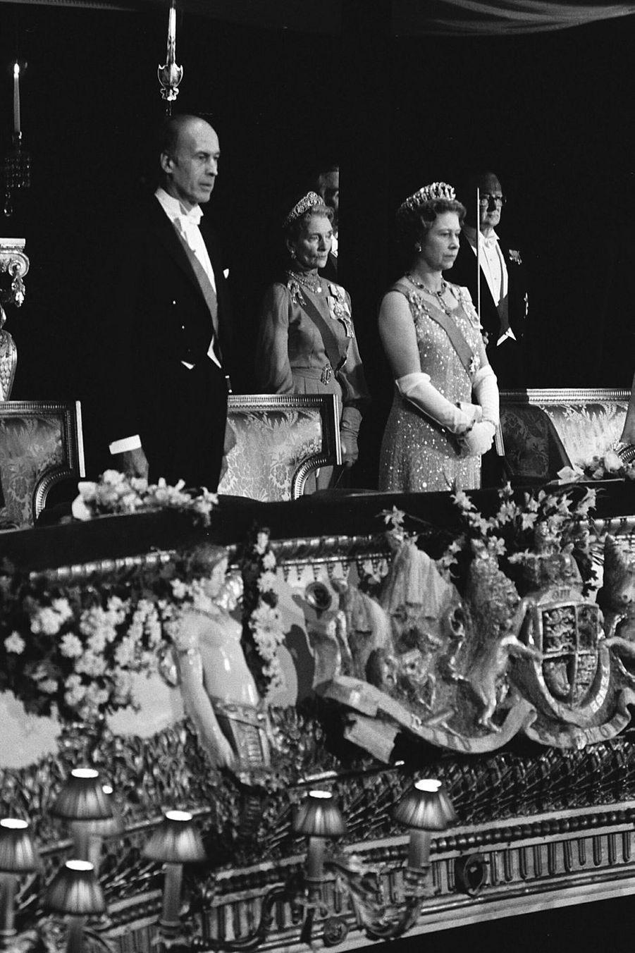 Valéry Giscard d'Estaing avec la reine Elizabeth II, le 6 janvier 1976