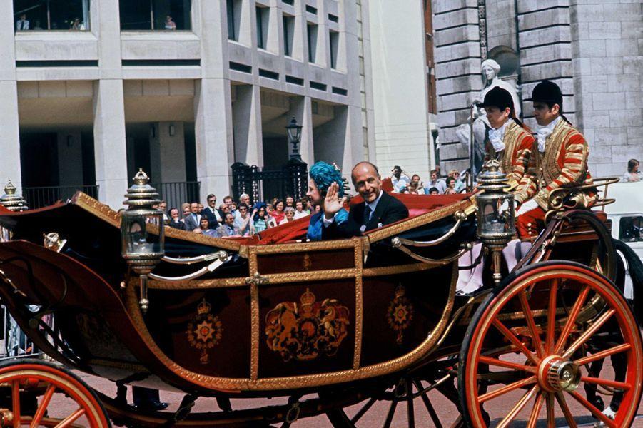 Valéry Giscard d'Estaing avec la reine Elizabeth II, le 22 juin 1976