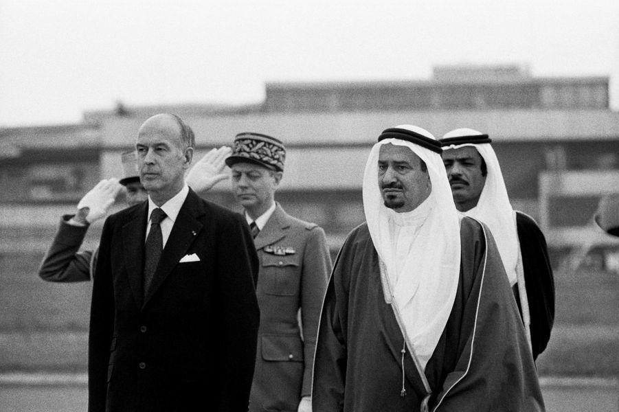 Valéry Giscard d'Estaing avec le roi Khaled d'Arabie saoudite, en 1976