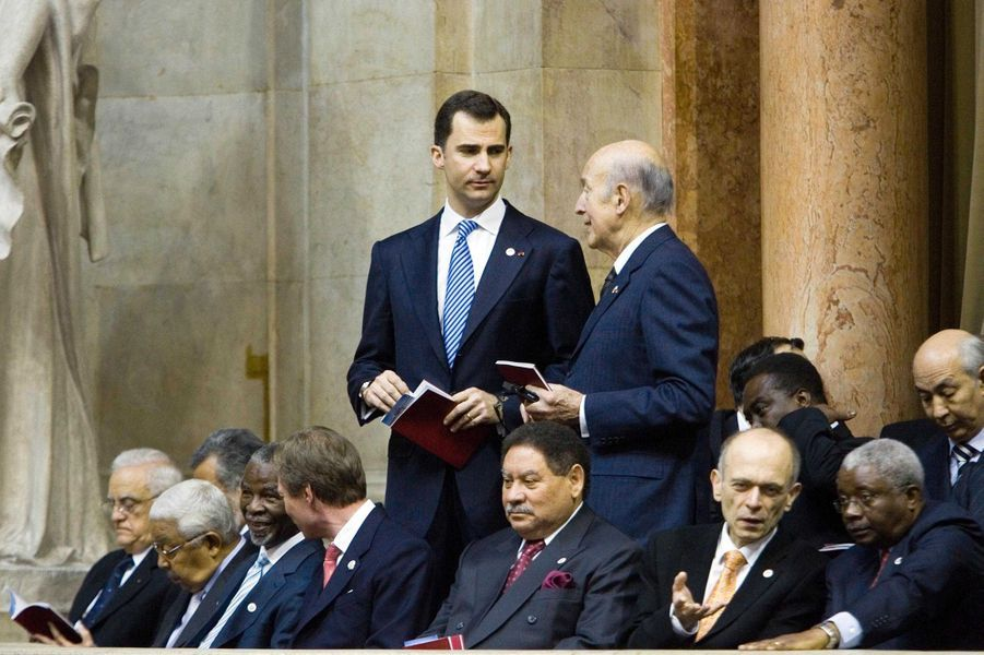 Valéry Giscard d'Estaing avec le prince Felipe d'Espagne, le 9 mars 2006