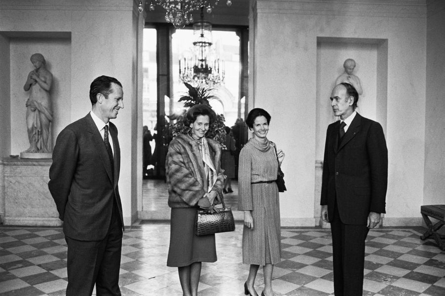 Valéry et Anne-Aymone Giscard d'Estaing avec le roi des Belges Baudouin et la reine Fabiola, le 7 février 1975