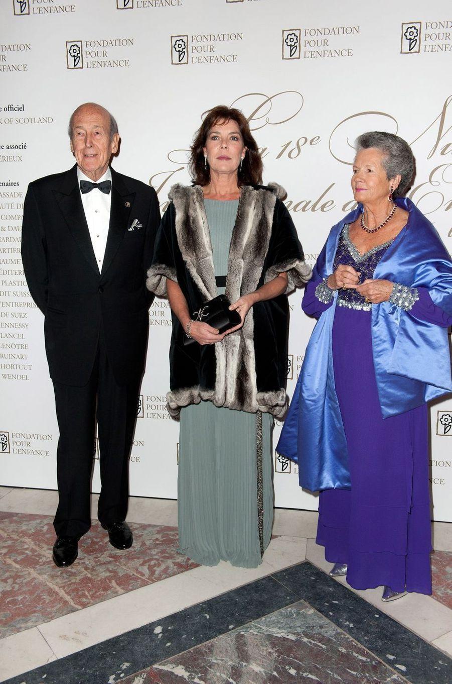 Valéry et Anne-Aymone Giscard d'Estaing avec la princesse Caroline de Monaco, le 7 janvier 2010