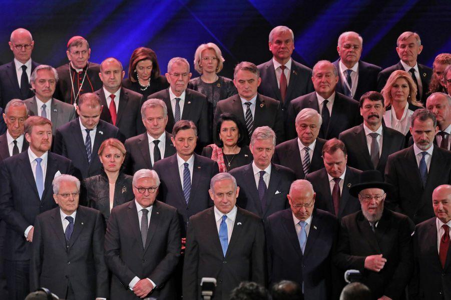 Au deuxième rang, le roi Willem-Alexander des Pays-Bas, le roi des Belges Philippe et le roi Felipe VI d'Espagne à Jérusalem, le 23 janvier 2020