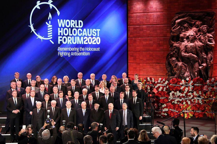Au 2e rang, le roi Willem-Alexander des Pays-Bas, le roi des Belges Philippe, le roi Felipe VI d'Espagne, le grand-duc Henri de Luxembourg et le prince héritier Haakon de Norvège à Jérusalem, le 23 janvier 2020