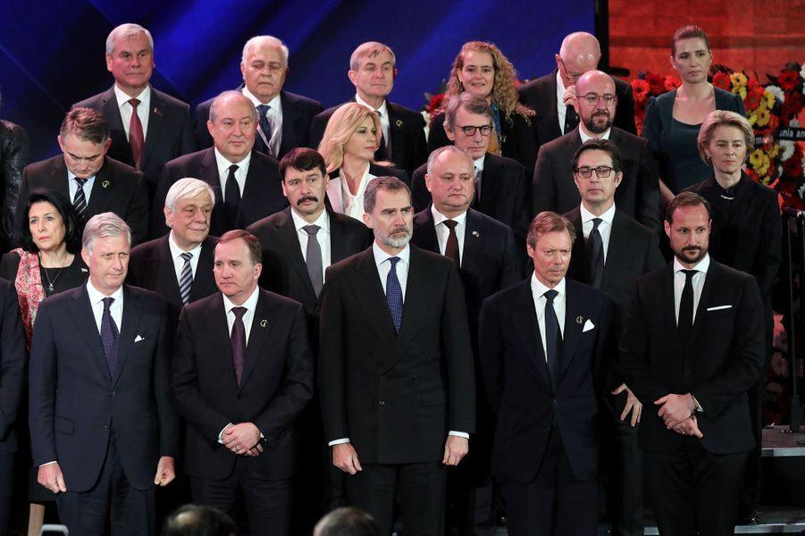 Au premier rang, le roi des Belges Philippe, le roi Felipe VI d'Espagne, le grand-duc Henri de Luxembourg et le prince héritier Haakon de Norvège à Jérusalem, le 23 janvier 2020