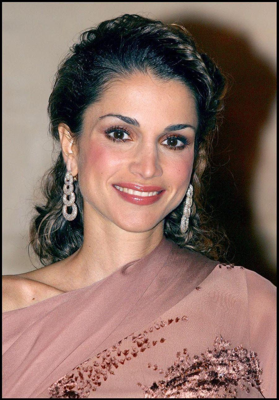 La reine Rania au Château de Versailles en 2002