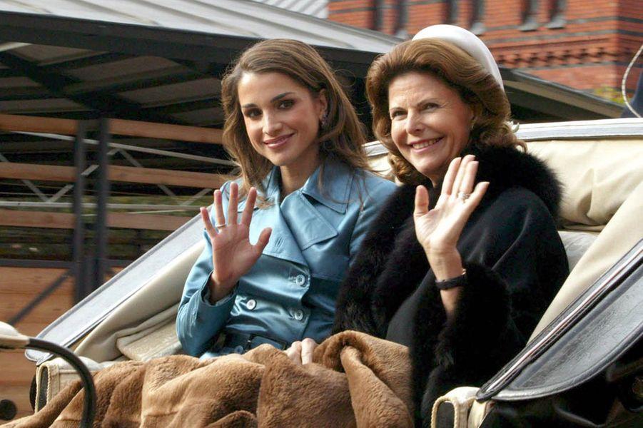 La reine Rania et la reine Silvia à Stockholm en 2003