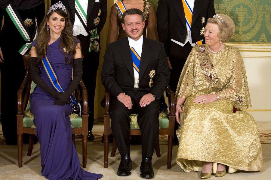 La reine Rania et le roi Abdallah reçus par la reine Beatrix des Pays-Bas, à La Haye en 2006
