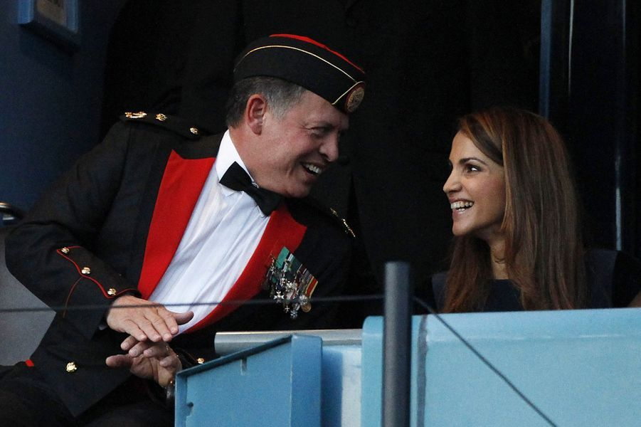 Rania avec le roi Abdallah en Ecosse en 2010