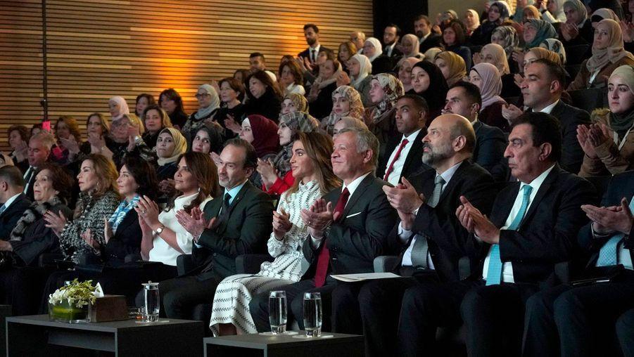 La reine Rania et le roi Abdallah II de Jordanie à l'inauguration des locaux de la Queen Rania Teacher Academy à Amman, le 27 janvier 2019
