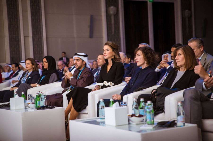 La reine Rania de Jordanie à Abu Dhabi, le 8 février 2018