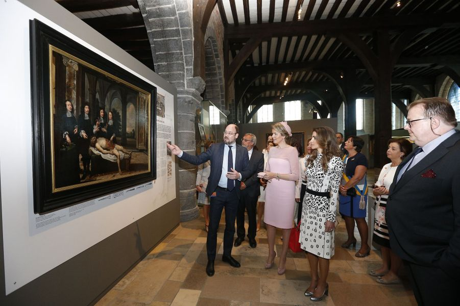 La reine Rania de Jordanie et la reine Mathilde de Belgique à Bruges, le 19 mai 2016