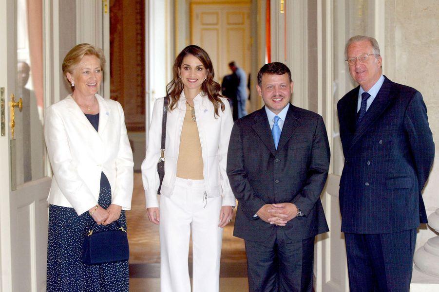 La reine Rania et le roi Abdallah II de Jordanie avec la reine Paola et le roi des Belges Albert II, le 19 juin 2002